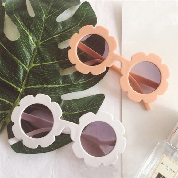 Sovereign Beautee Other - Oopsie Daisy Glasses
